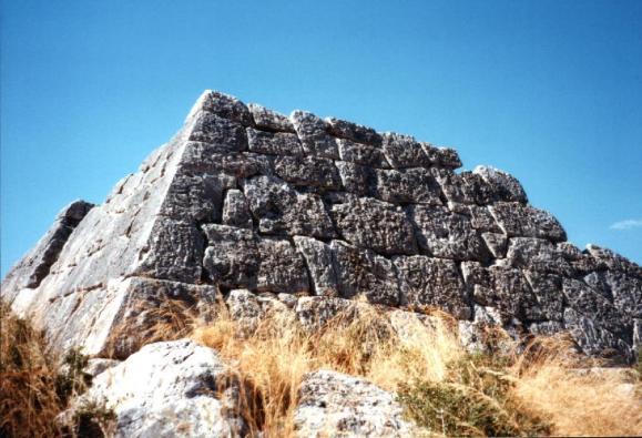 Piramide_de_Hellinikon